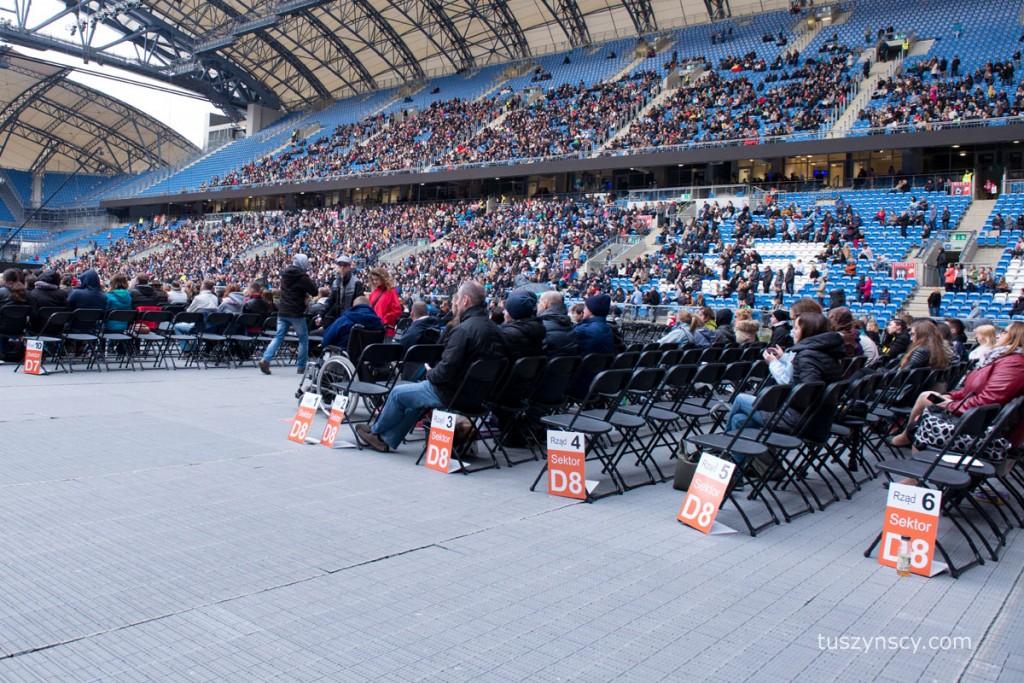 Tłumy ludzi. 20 tysięcy osób robi wrażenie.
