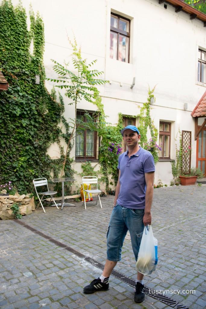 nocleg w Pradze - klimatyczne podwórko naszego mieszkania