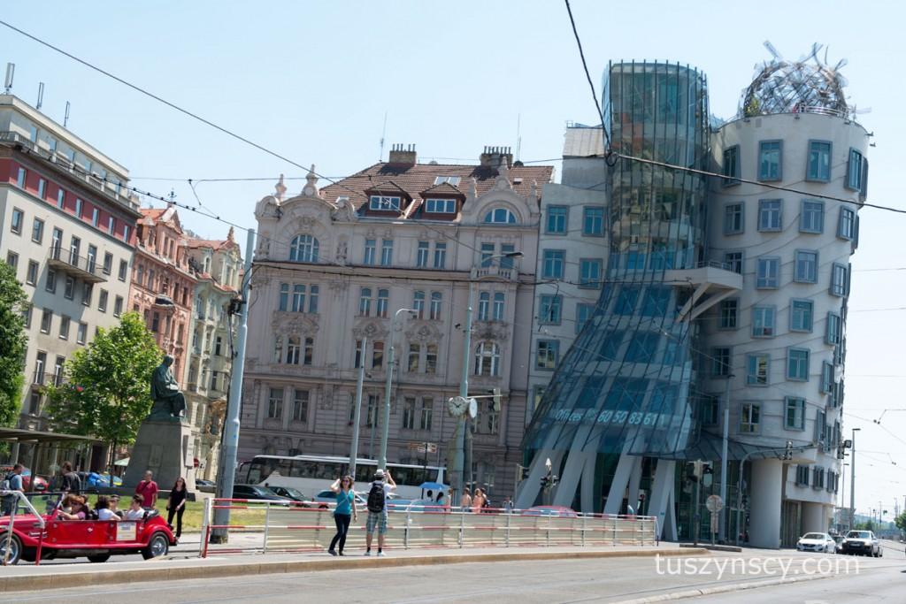 Praga - Krzywy Dom